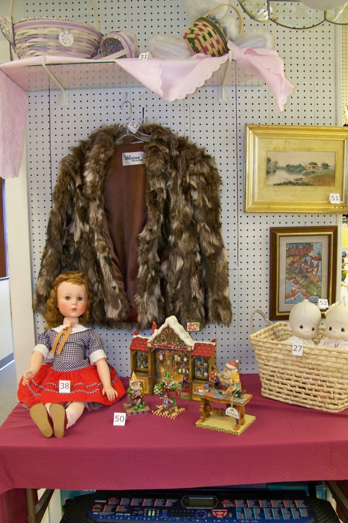 Dolls, fur coats